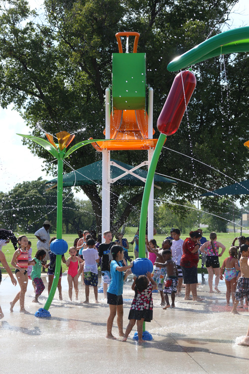 Kids playing on Stevenson Park Splash Pad